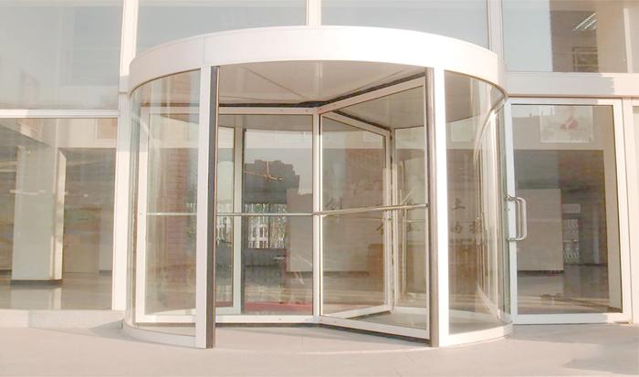 專業云南自動感應門定制廠家為您介紹自動感應門中平開和平移的區別