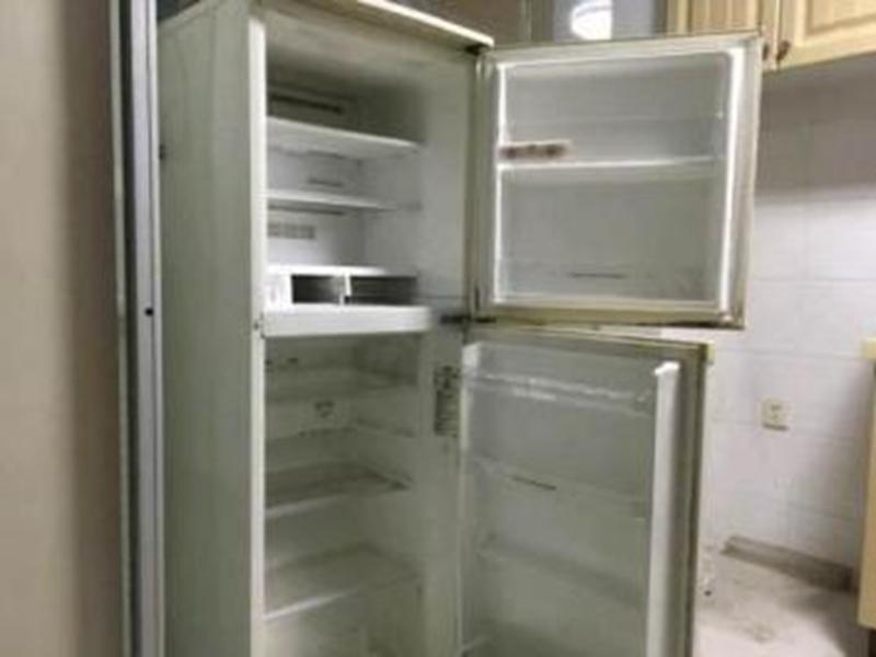 回收废弃冰箱