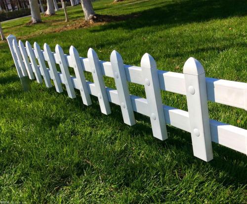 草坪护栏的安装固定方法