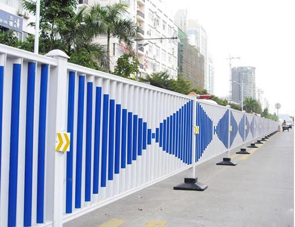道路护栏具有什么材质优势呢