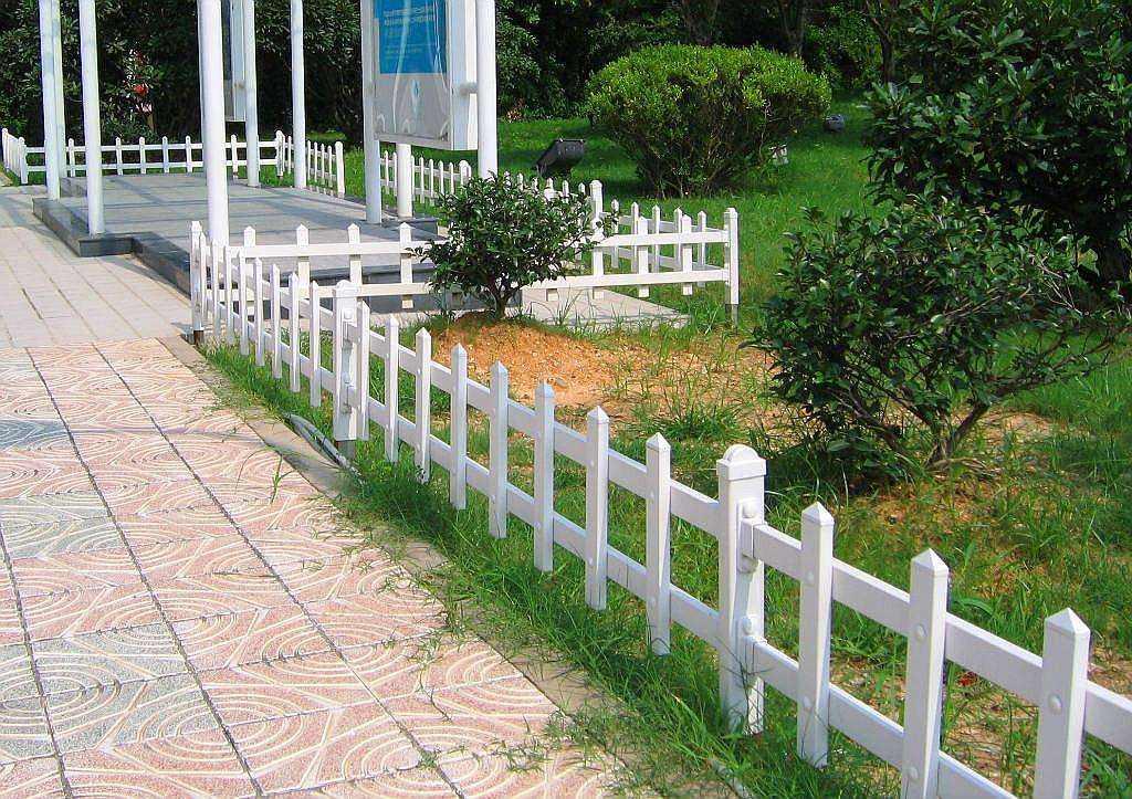 常见的草坪护栏种类都有哪些