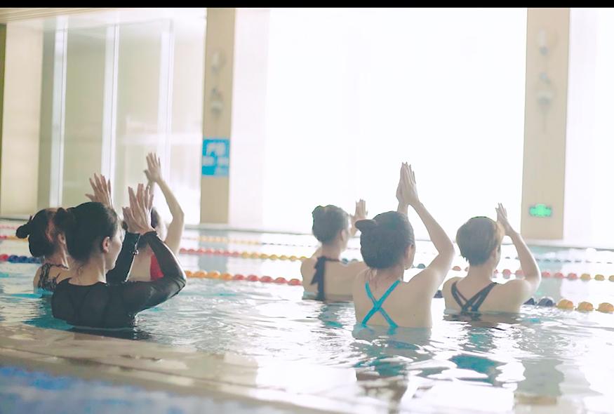 青岛水上瑜伽练习