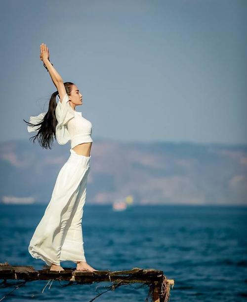 水上练习瑜伽竟然还有这几大功效