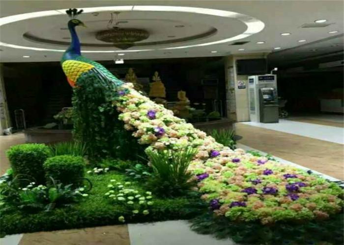 孔雀植物雕塑