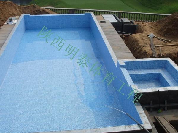整体泳池设备安装外还有很多步骤才能完工