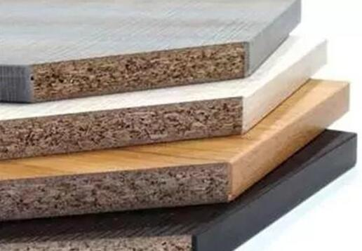 实木颗粒板存在色差的原因