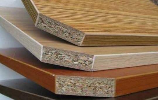 加工实木颗粒板时如何除渣