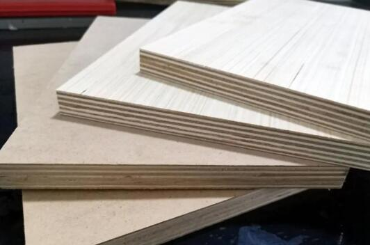 多层板和夹芯板有什么区别?