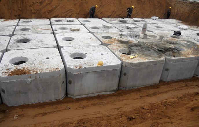 钢筋混凝土化粪池安装