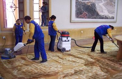 日常生活中地毯清洗要怎么做