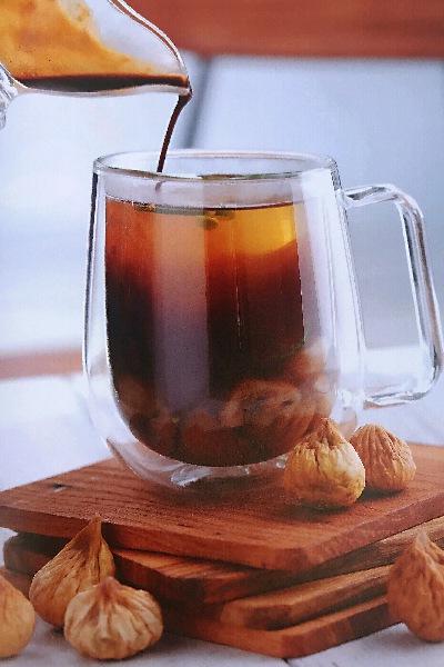 无花果柑橘热咖啡