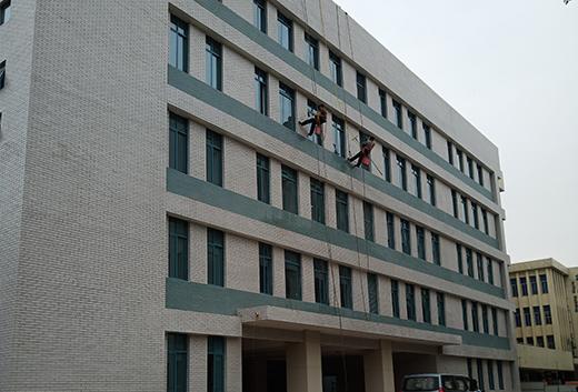 长沙市湘府中学教学楼外墙清洗