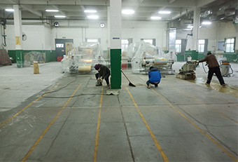 做出好的混凝土密封固化剂地坪与施工有很大关系