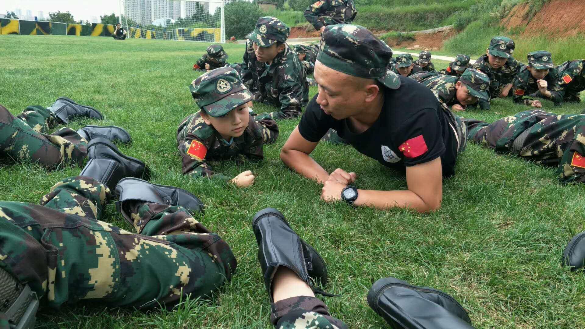 昆明暑期夏令营的陆军七天训练营家长致信