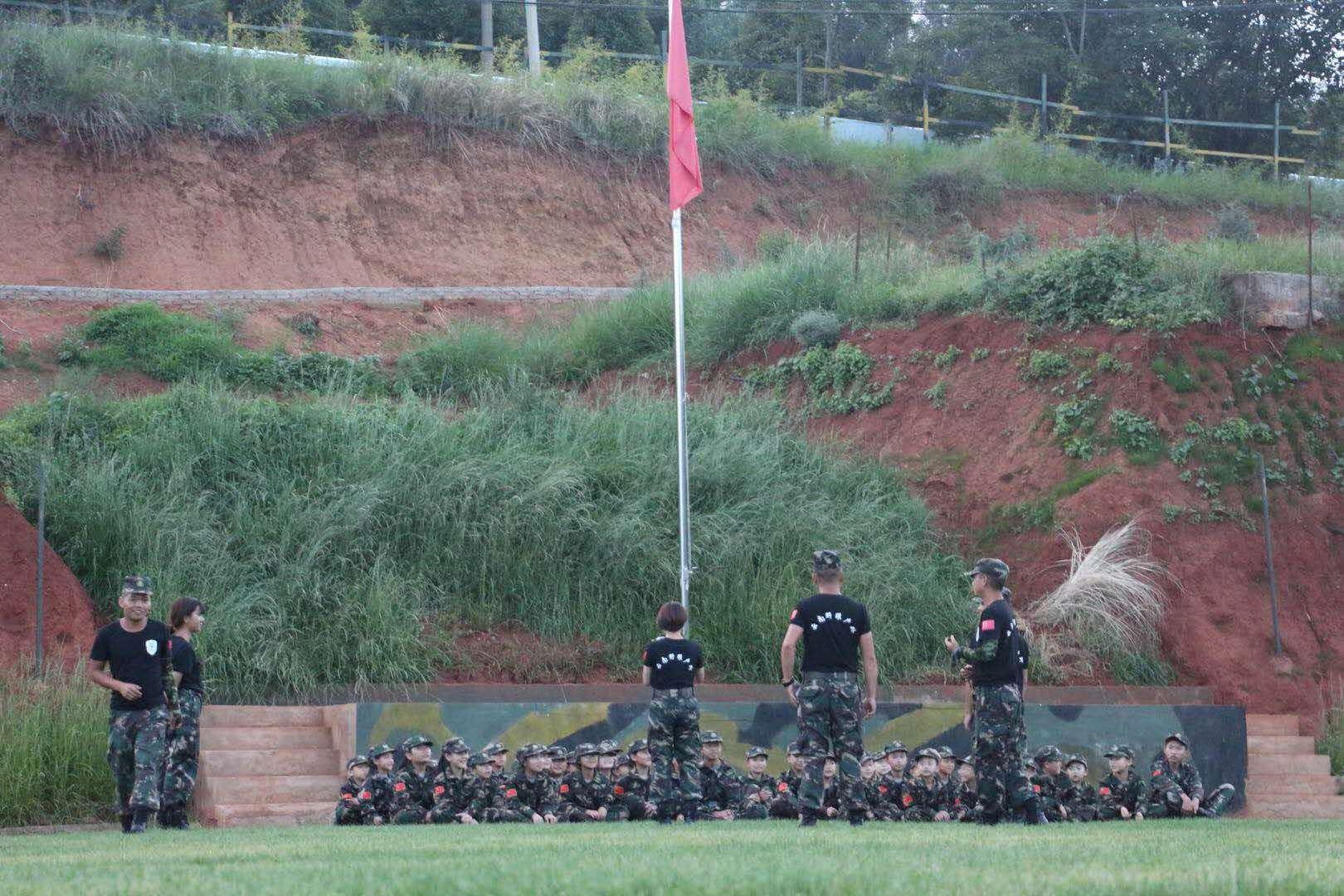 来自第五期昆明军事夏令营学员家长对夏令营的反馈信