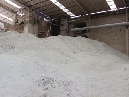 云南石灰粉用量, 合理有效改良土质