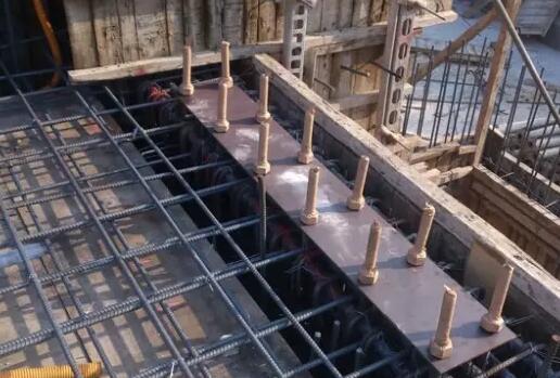 钢结构施工中的预埋螺栓技术