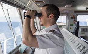 海员海乘输送机构