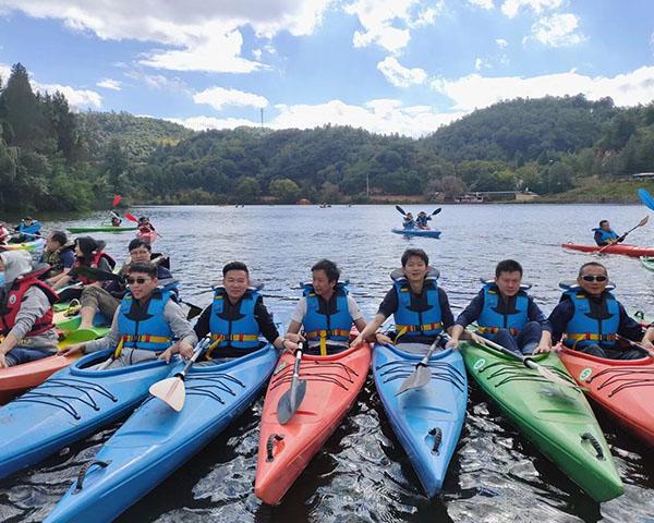 山庄水上划皮艇
