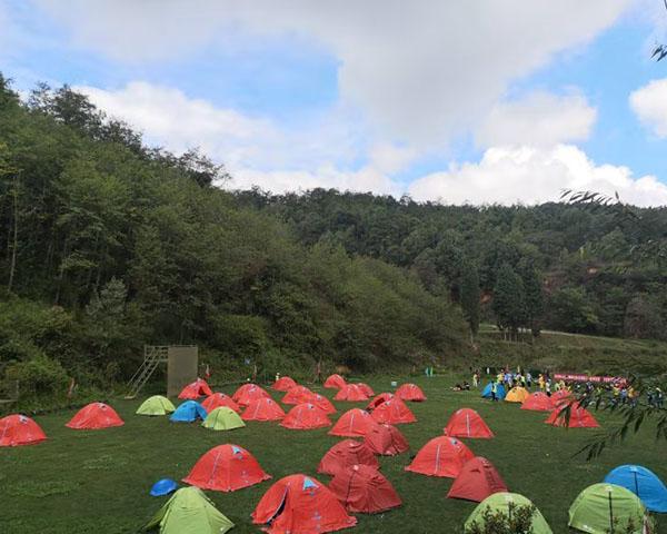 昆明山庄野外露营