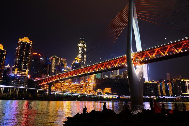 依山靠水的重庆,有哪些夜景值得欣赏?
