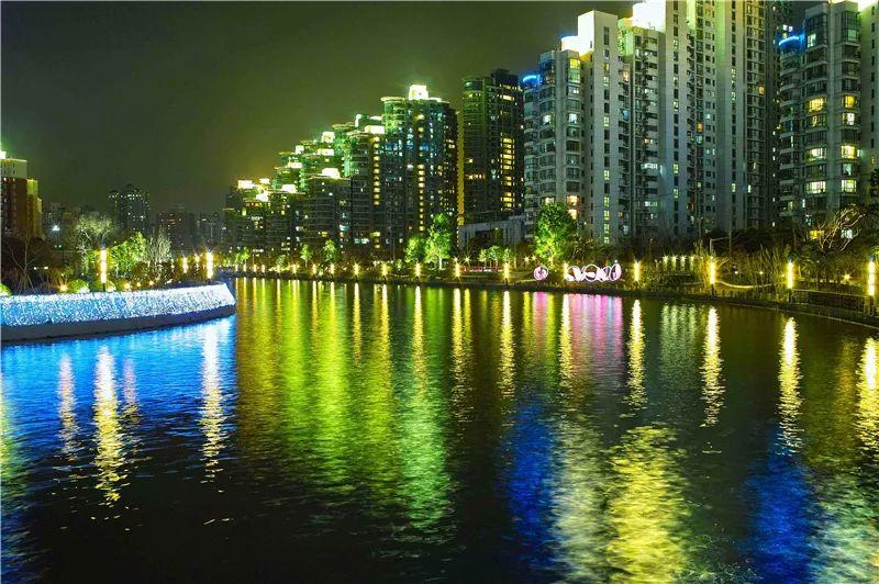 當燈光邂逅水景,會碰撞出怎樣的火花?