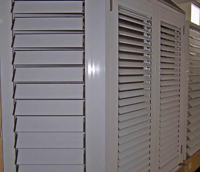 保温防雨铝合金百叶窗