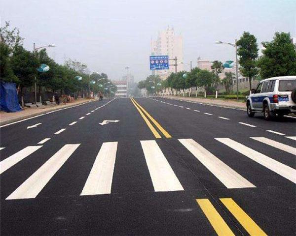 对不同状况的路面该如何进行道路除线