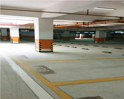 昆明停车场划标划线