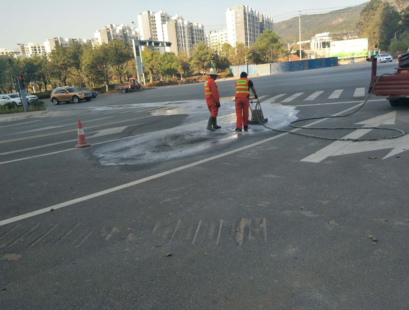 公路高压水除线