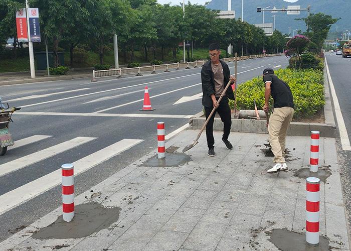 人行道隔离桩施工案例
