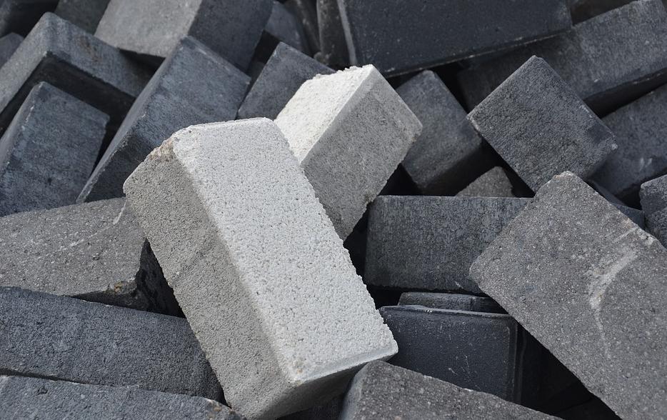 水泥砖机配件生产影响因素非常多,你中枪了吗?