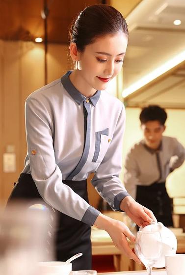 北京酒店工作服定制厂家-依佰易提供酒店服装设计方案