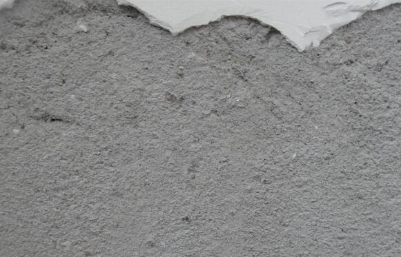水泥墙面掉沙子渣怎么办
