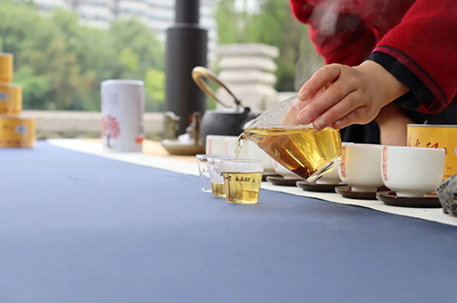 夏至过后,为什么一定要喝红茶?
