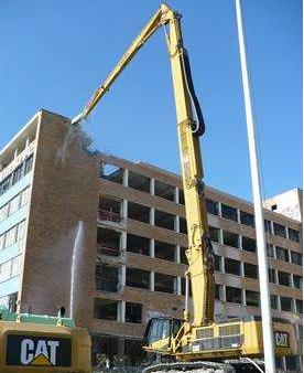 挖掘机加长臂租赁后如何保证挖掘机的使用安全?