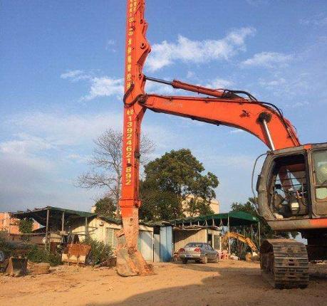 伸缩臂挖掘机的结构介绍