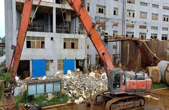 房屋拆除时如何避免安全事故