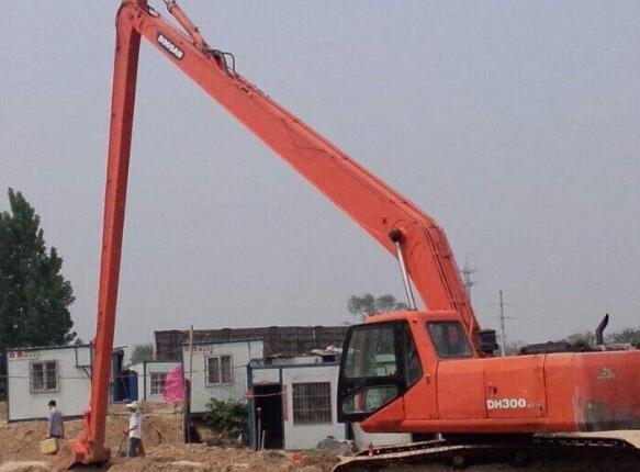 挖掘机怎么安全停放?