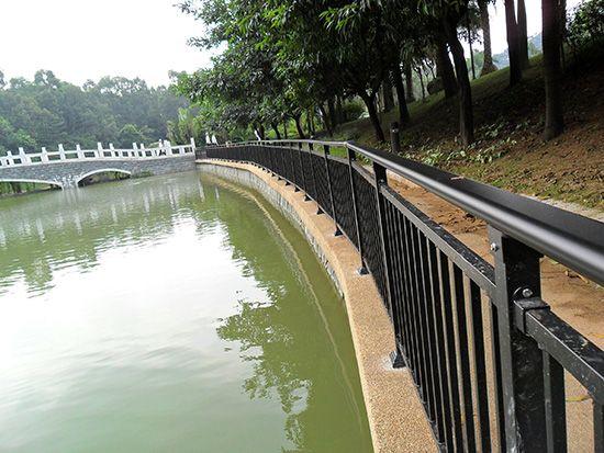 河道防护栏