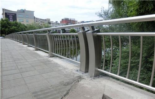 桥梁护栏景观