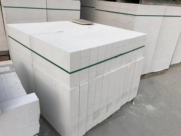 襄阳混凝土加砌块厂家谈红砖与加气砖的区别在哪儿