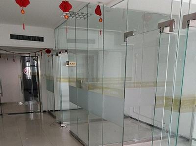 咸阳东银大厦玻璃高隔间安装工程