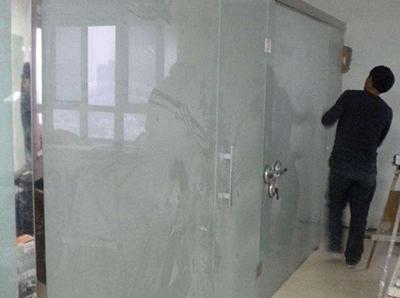 咸阳银都国际办公室玻璃隔间安装现场